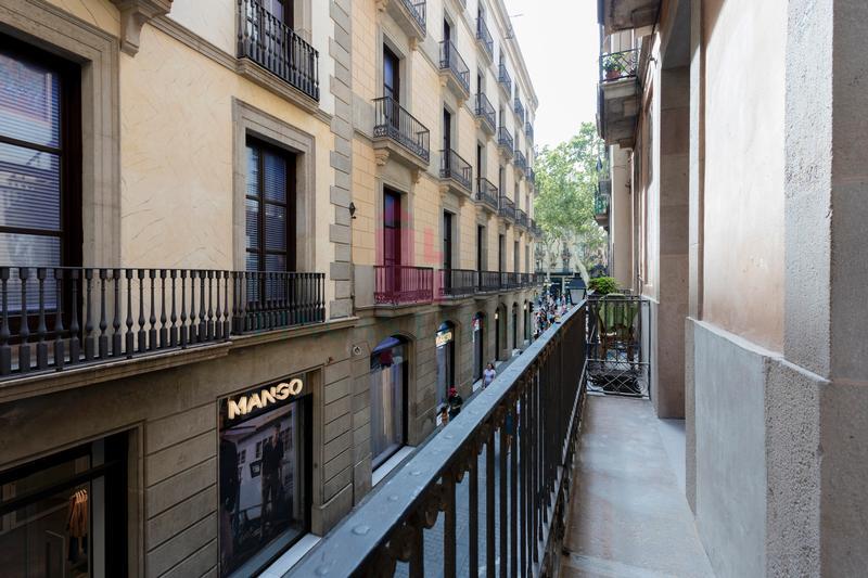 Ref.: 27712 - EXCLUSIU PIS A ESTRENAR A PLE CENTRE DE BARCELONA
