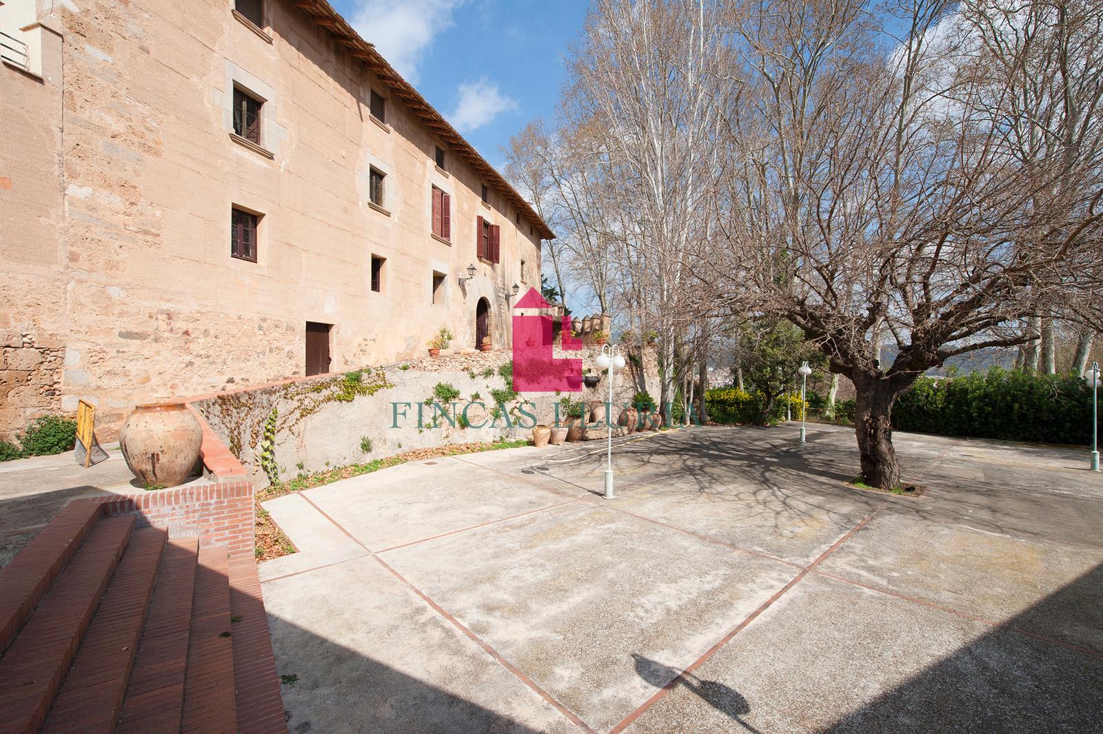 HOTEL A ESPARREGUERA DEL SEGLE XIV