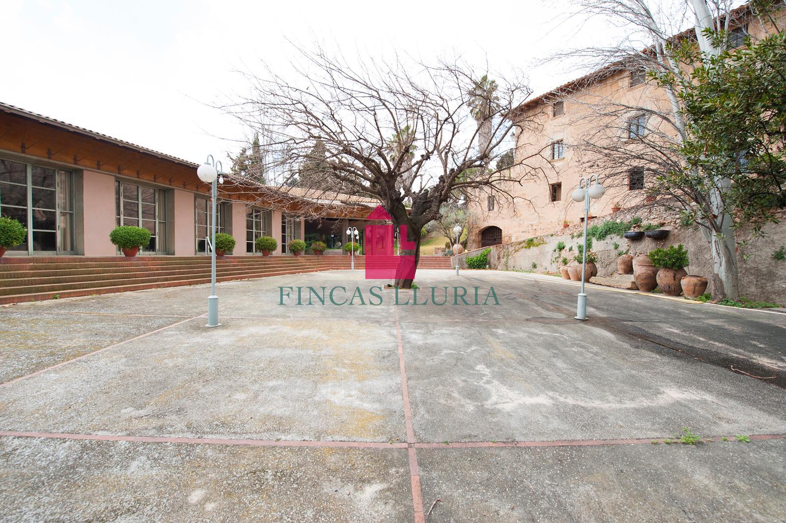 Ref.: 32409 - ESPECTACULAR CASA DE 3 PLANTES A ESPARRAGUERA